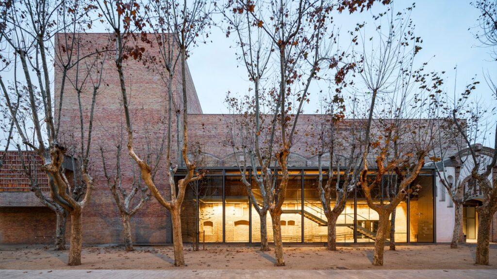 Нове життя старій будівлі театру у Іспанії