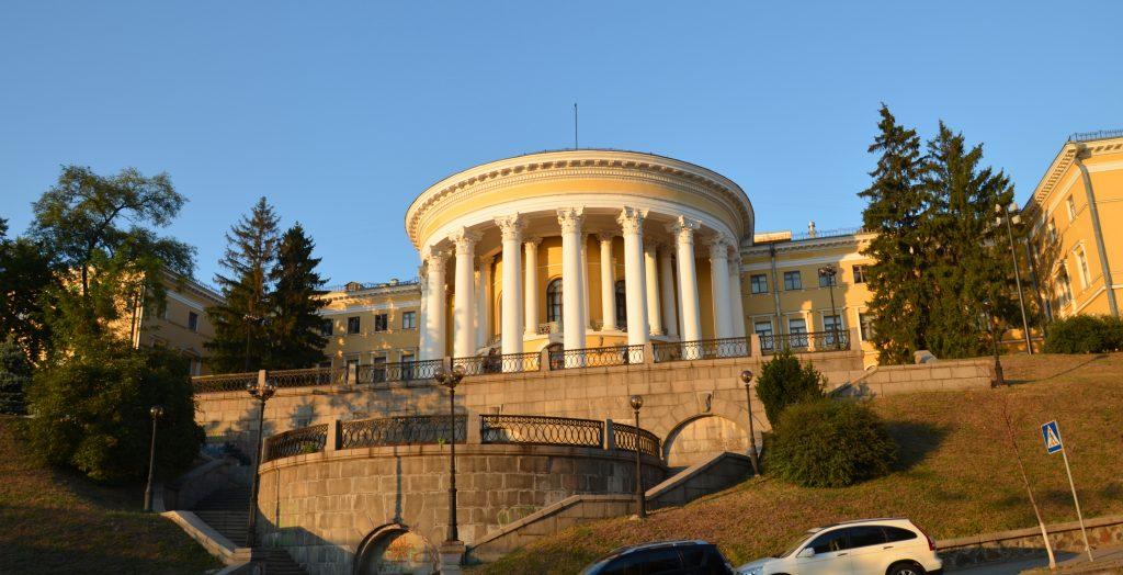 Франківський драматичний театр завітає із виставами до Жовтневого палацу